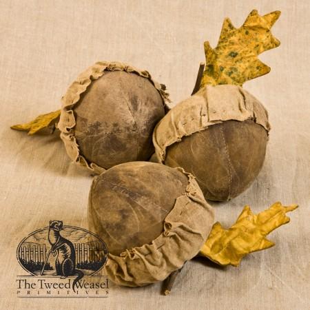 Acorn and Oak Leaf designed by Tish Bachleda