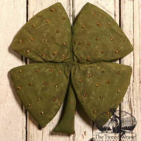 Beaded Clover Design by Tish Bachleda