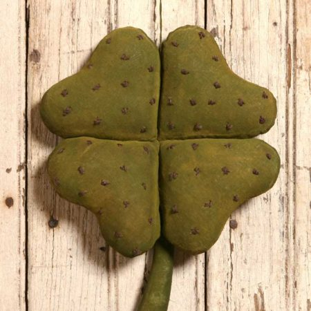 Dotted Clover Design by Tish Bachleda
