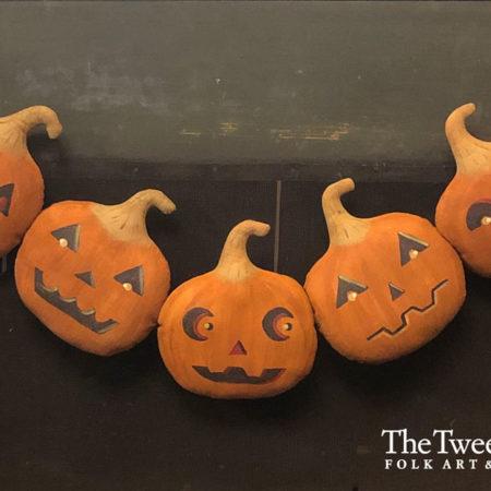 Five Jack-o-Lanterns Garland Design by Tish Bachleda